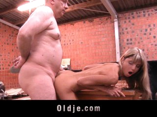 Padre gets fucked by young Gina Gerson